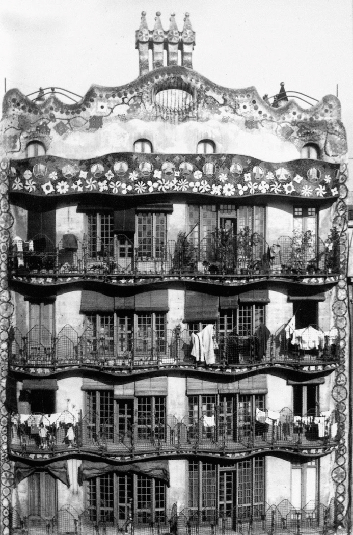Read more about Casa Batlló in 1928