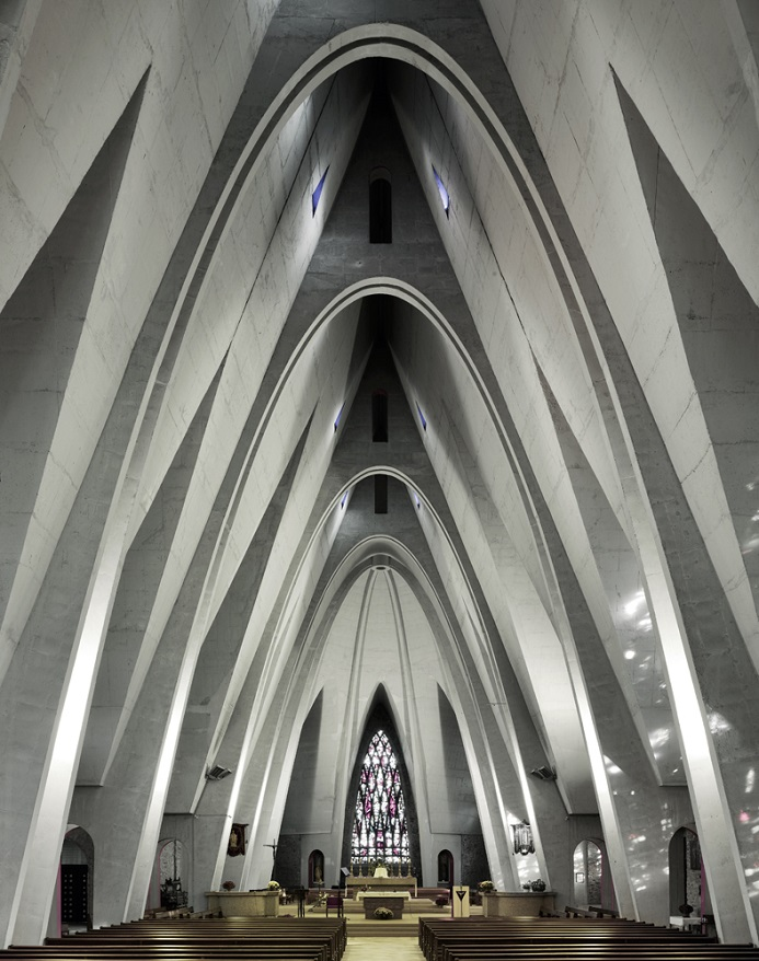 Read more about The influence of Gaudí in Donges (France)