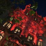 Casa Batlló lights up against women's violence and AIDS